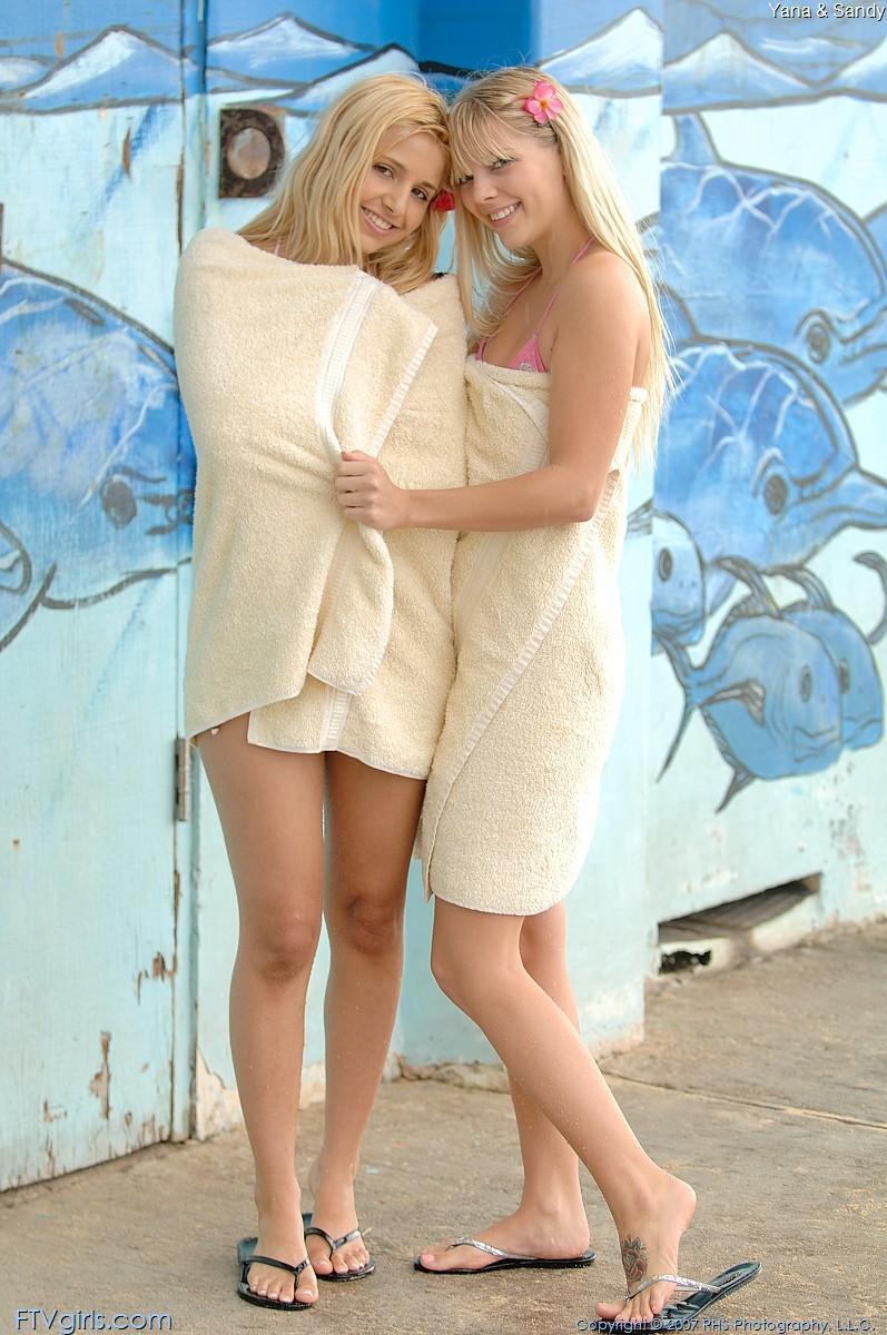 image Girls make sweet lesbian love