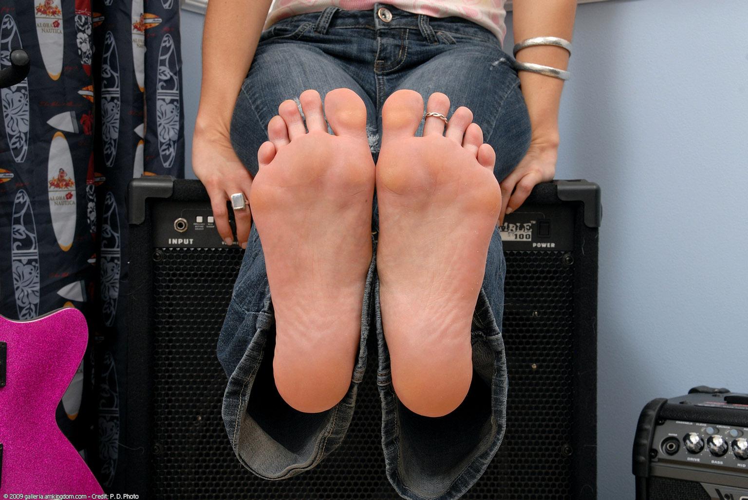 Jasmyn Jolie's Feet