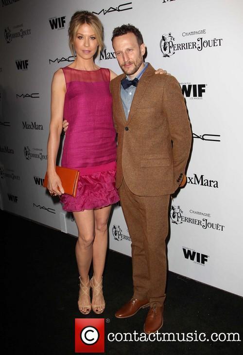 Jenna Elfman How Tall