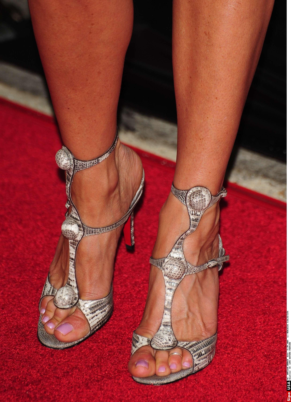 2175 x 3000 id 1266181 - Jennifer aniston barefoot ...