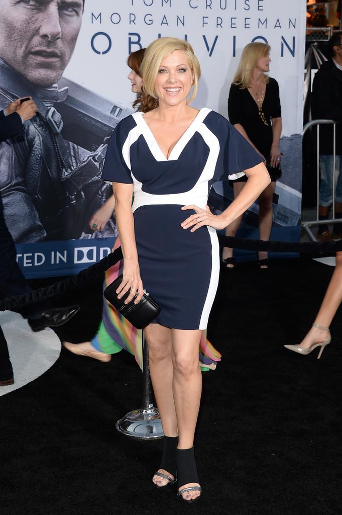 Jennifer Aspen's Feet << wikiF...