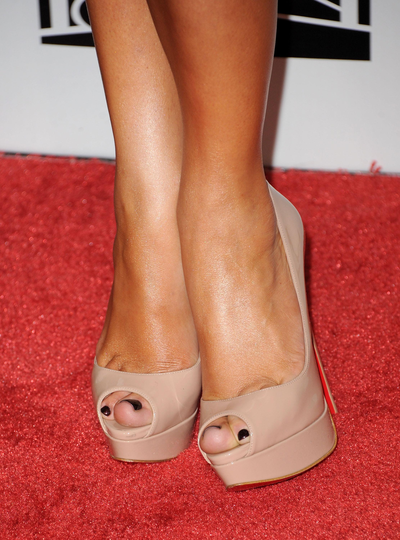 Фото ножки в туфельках 24 фотография