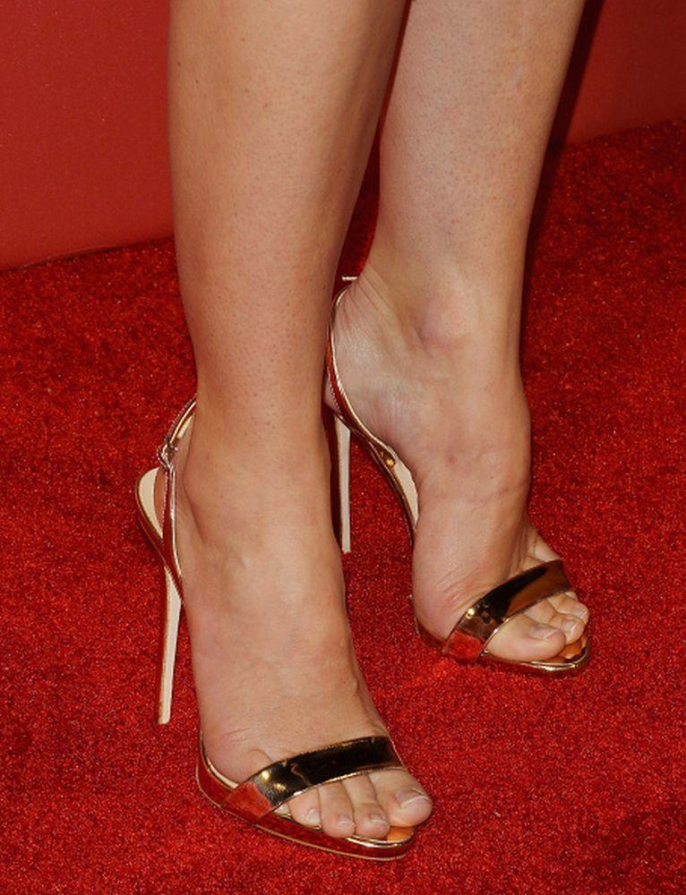 jessica biel feet pics