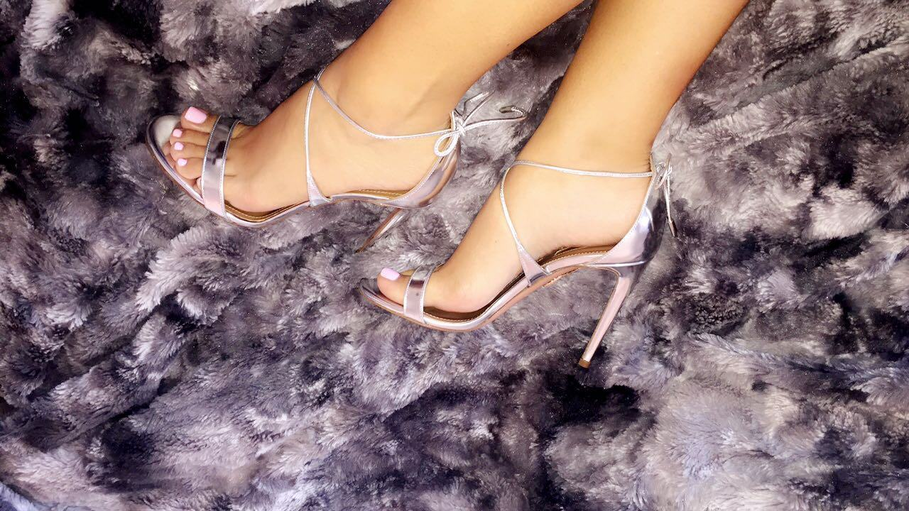 jessica burciaga feet