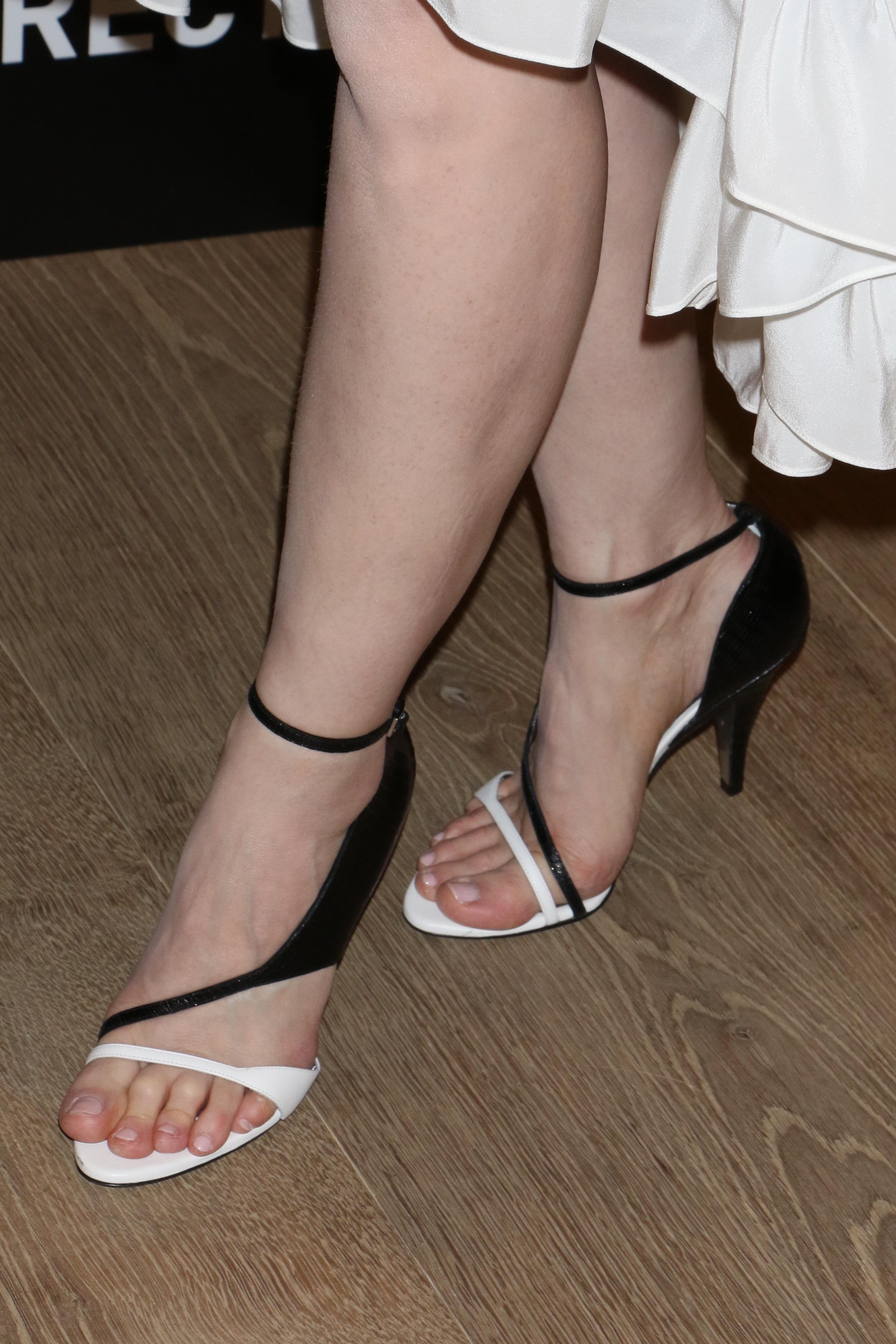jessica chastain feet