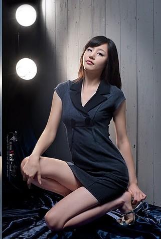 - Ji-Yeong-Hong-Feet-582310
