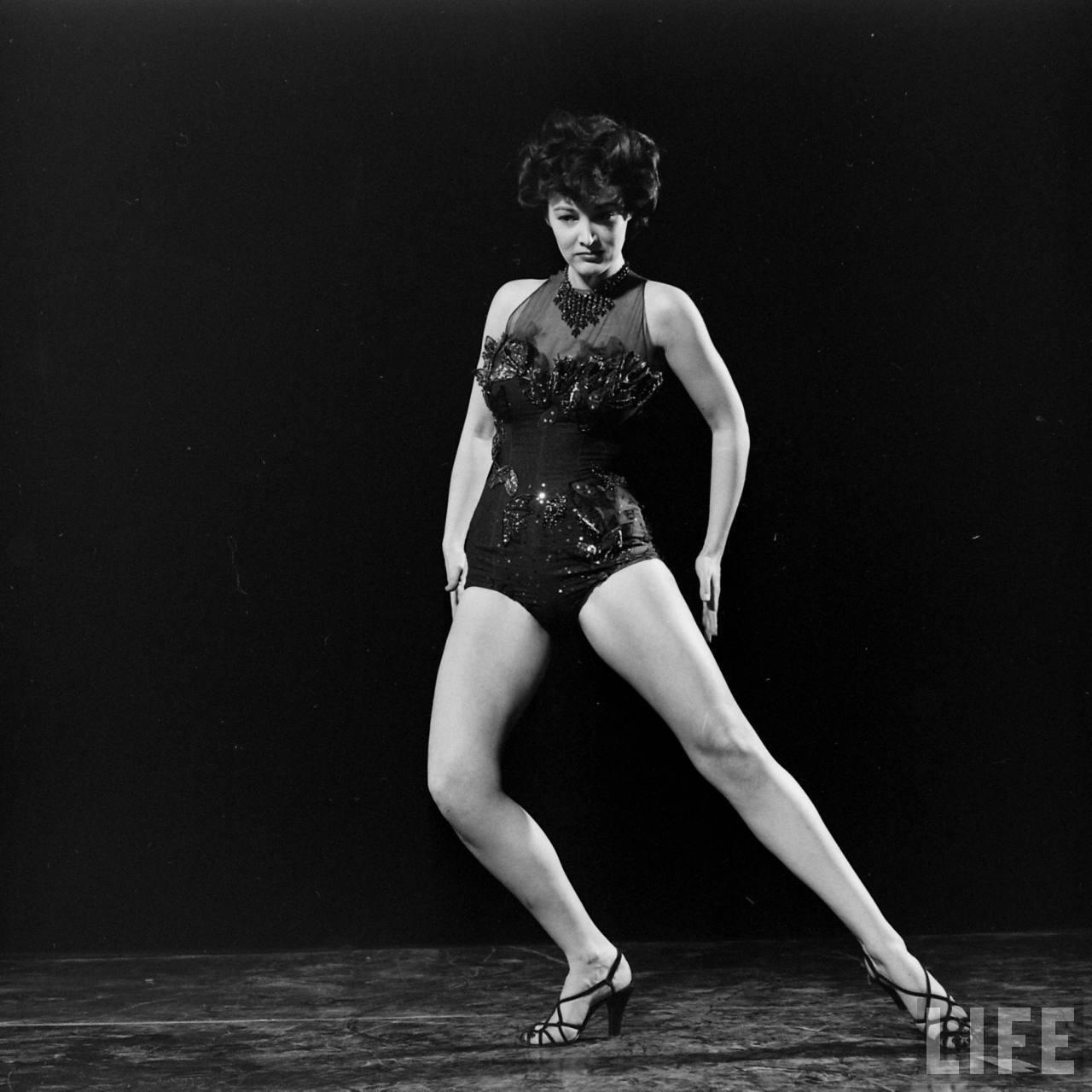 Julie White,Sunday Wilshin Erotic pics & movies Paule Baillargeon,Richard Beckinsale (1947?979)