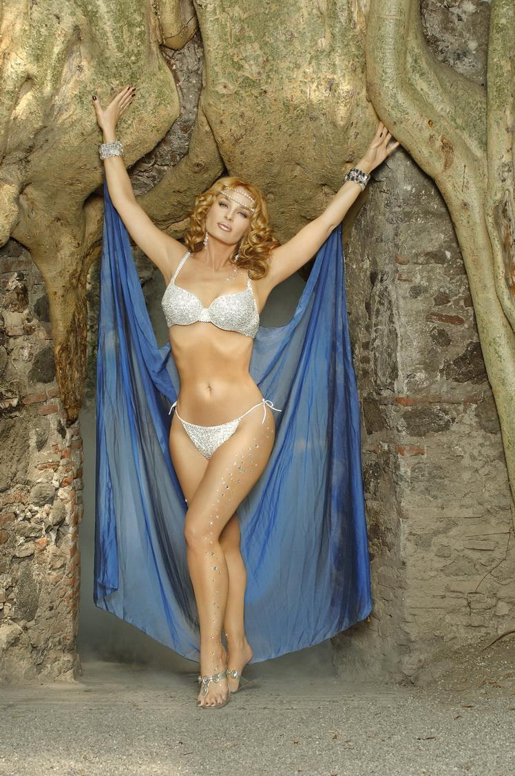 Joana Benedek fotos modelo galeria video desnuda
