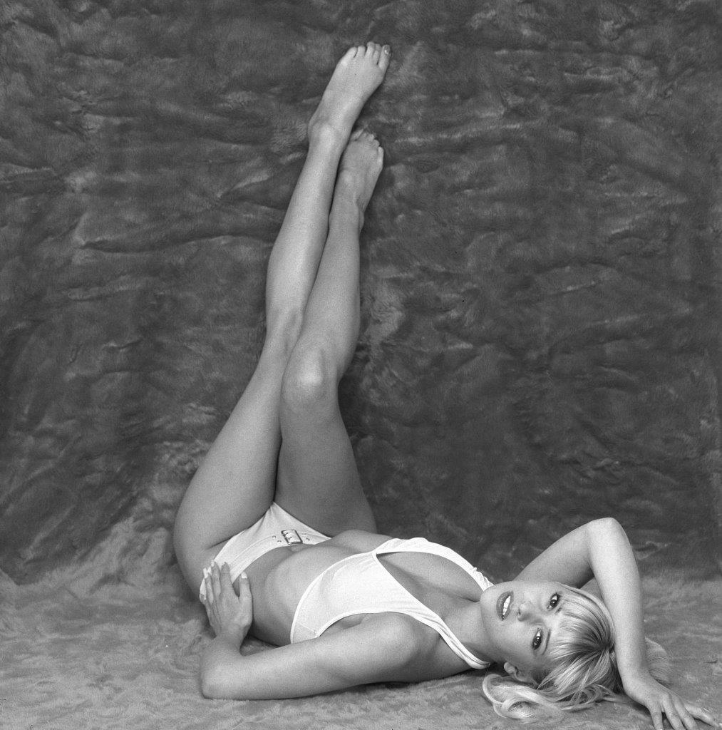 Feet Jo Guest nudes (66 foto and video), Tits, Hot, Feet, legs 2019