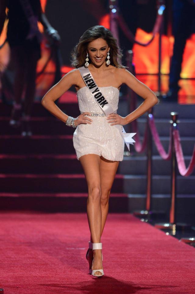 Eboni Williams Bra Size and Body Measurements ...