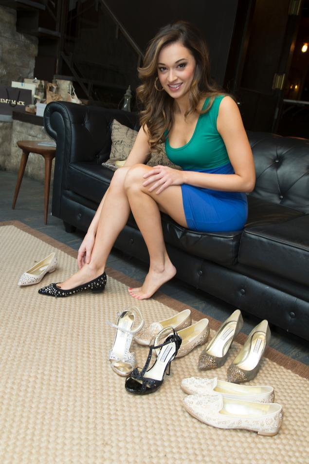 Maisie Williams's Feet << wikiFeet