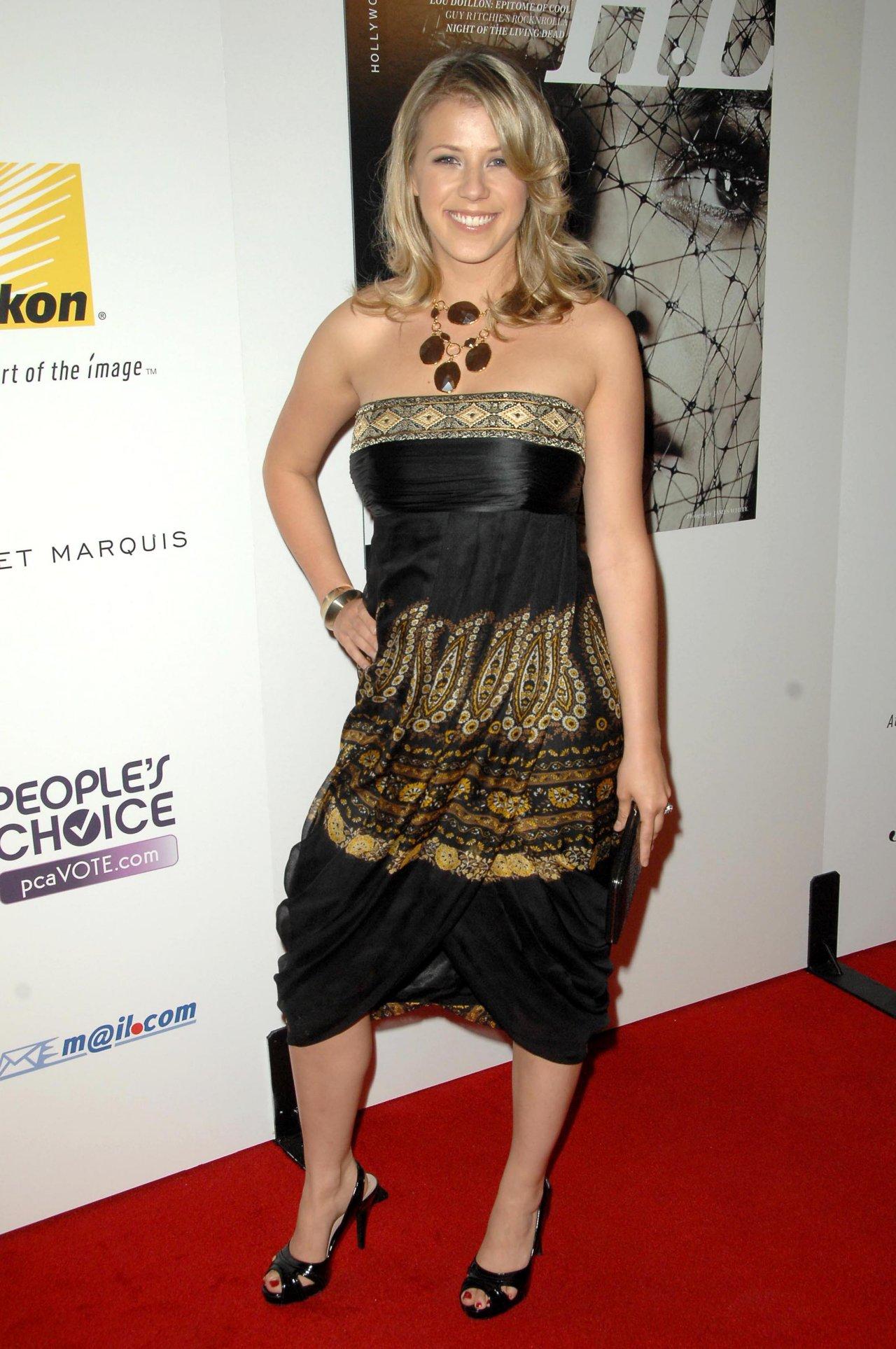Nazan Eckes - Nude Celebrities Forum | FamousBoard.com