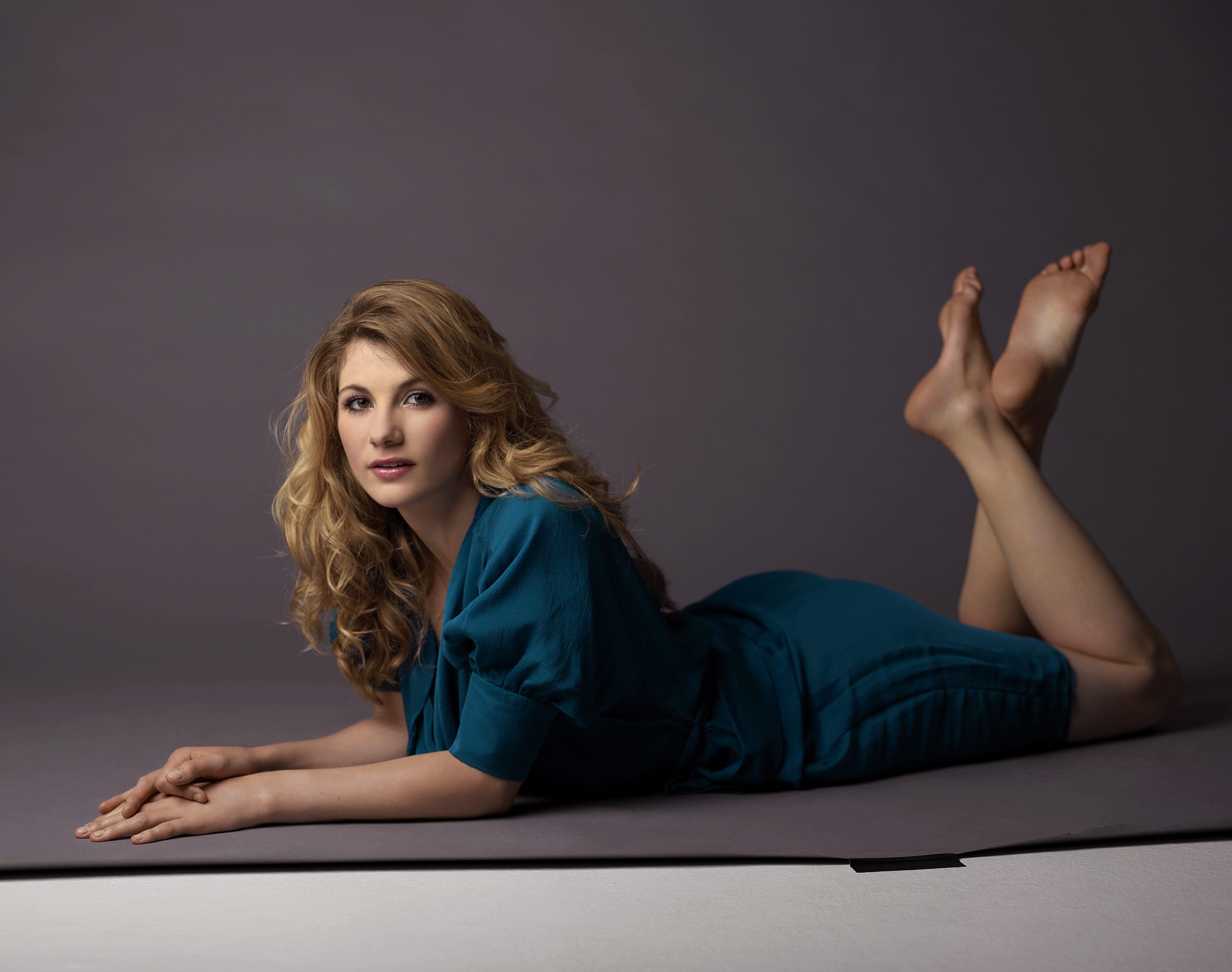 Jodie Whittaker's Feet << wikiFeet