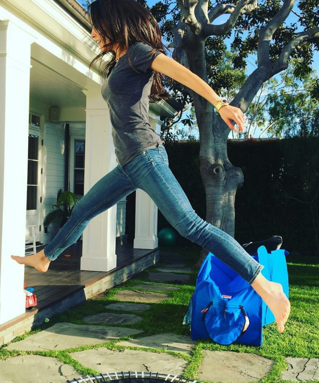 https://pics.wikifeet.com/Jordana-Brewster-Feet-2154476.jpg