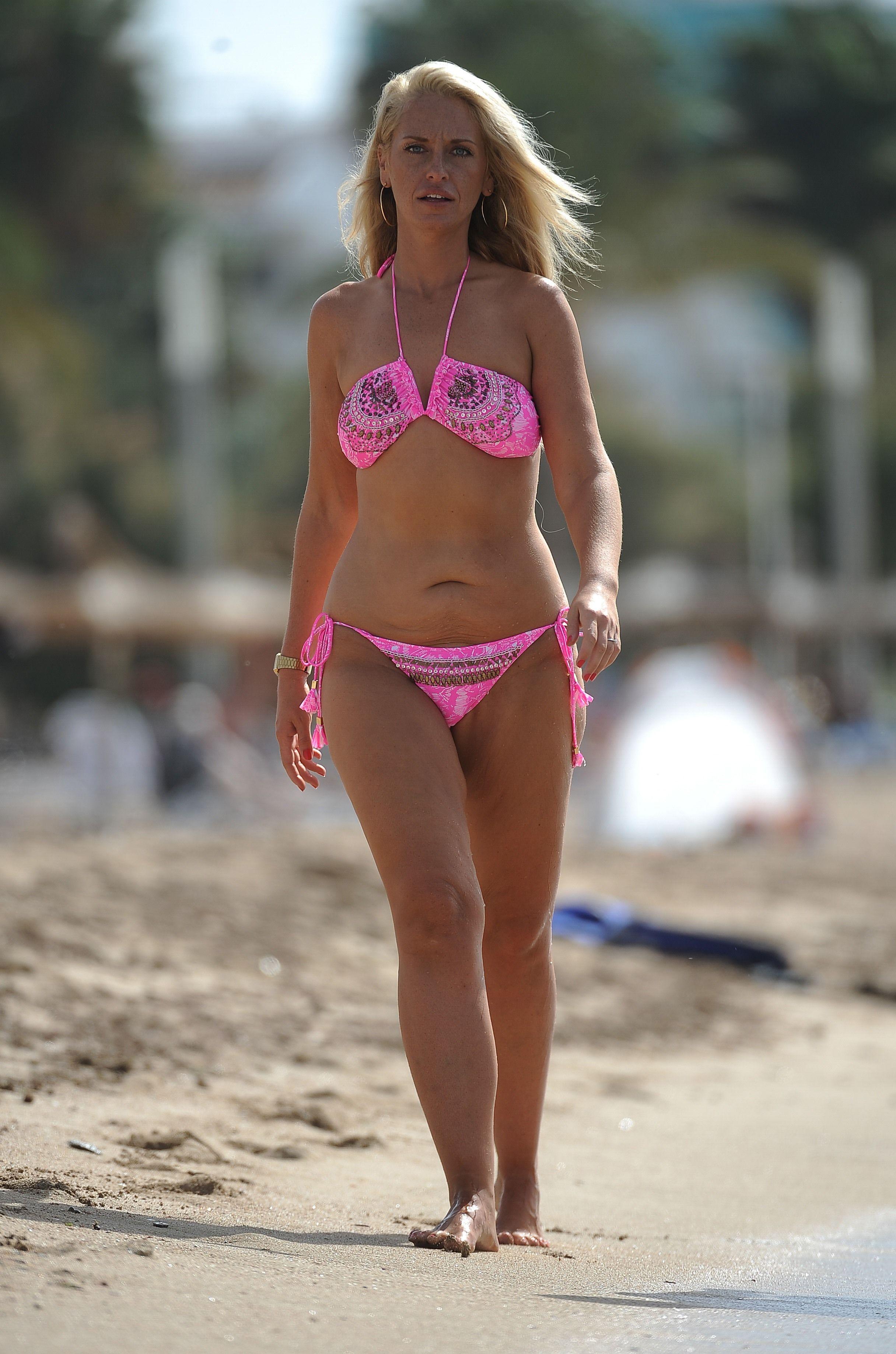 Bikini Josie Gibson nudes (24 foto and video), Sexy, Paparazzi, Twitter, braless 2006