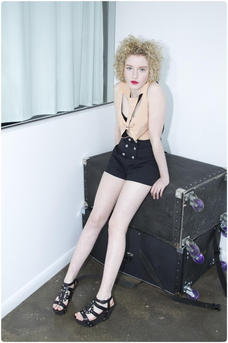 Feet Julia Garner nude (63 images), Selfie