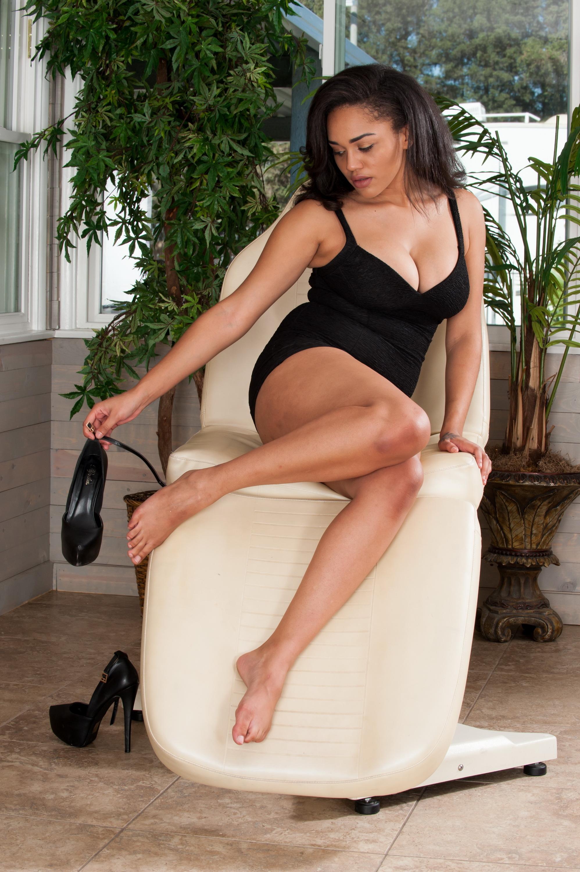 Julie-Kay-Feet-1625840.jpg