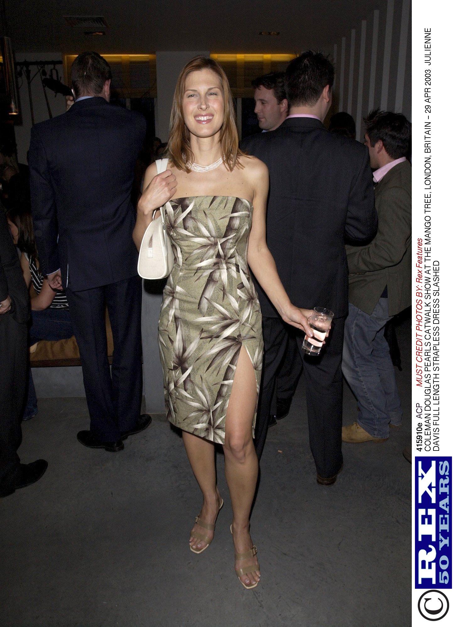 Julienne davis in eyes wide shut 1999 - 2 2