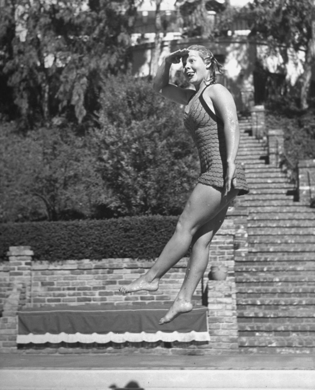 Helen Vela (1946?992) images