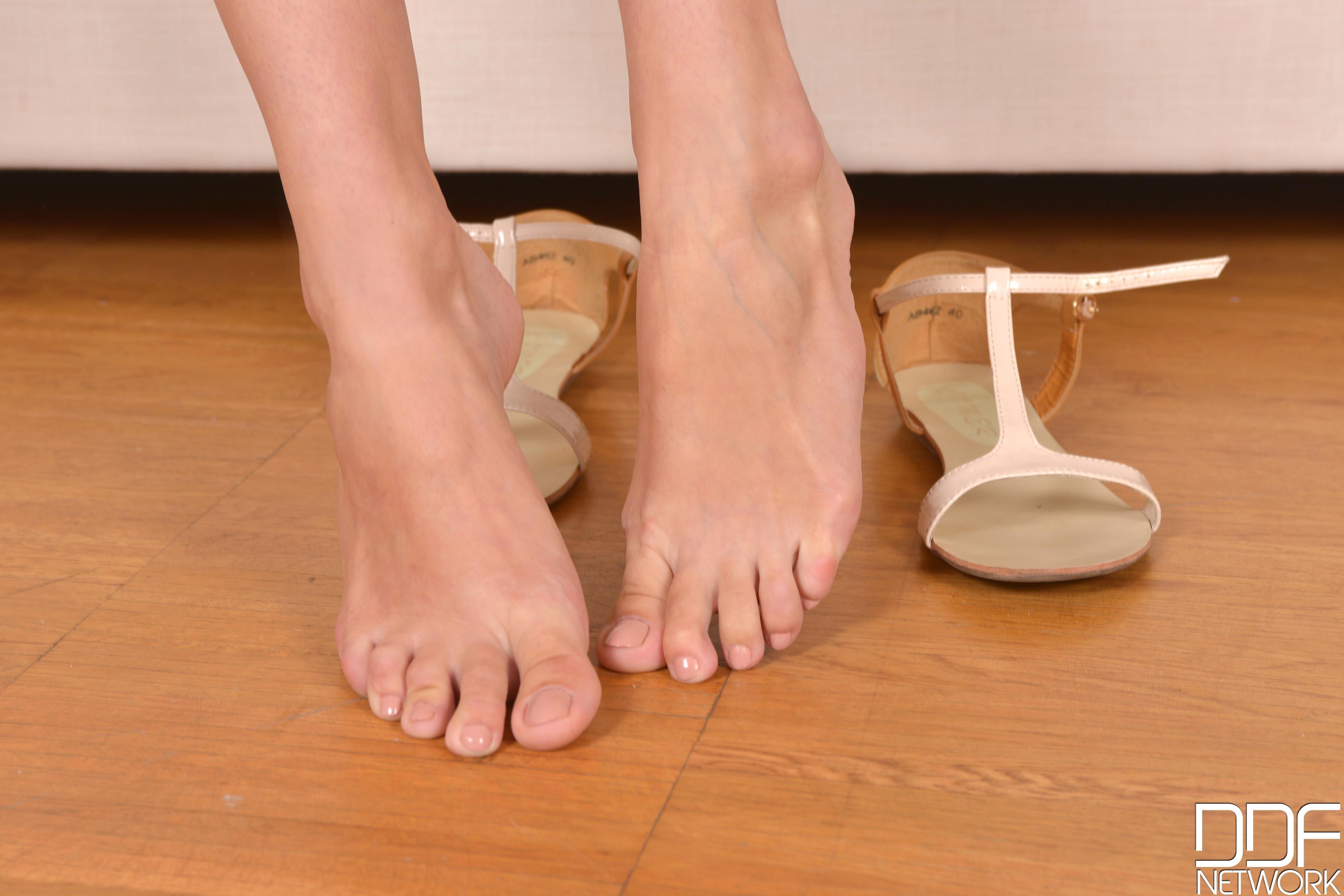 karina grand feet