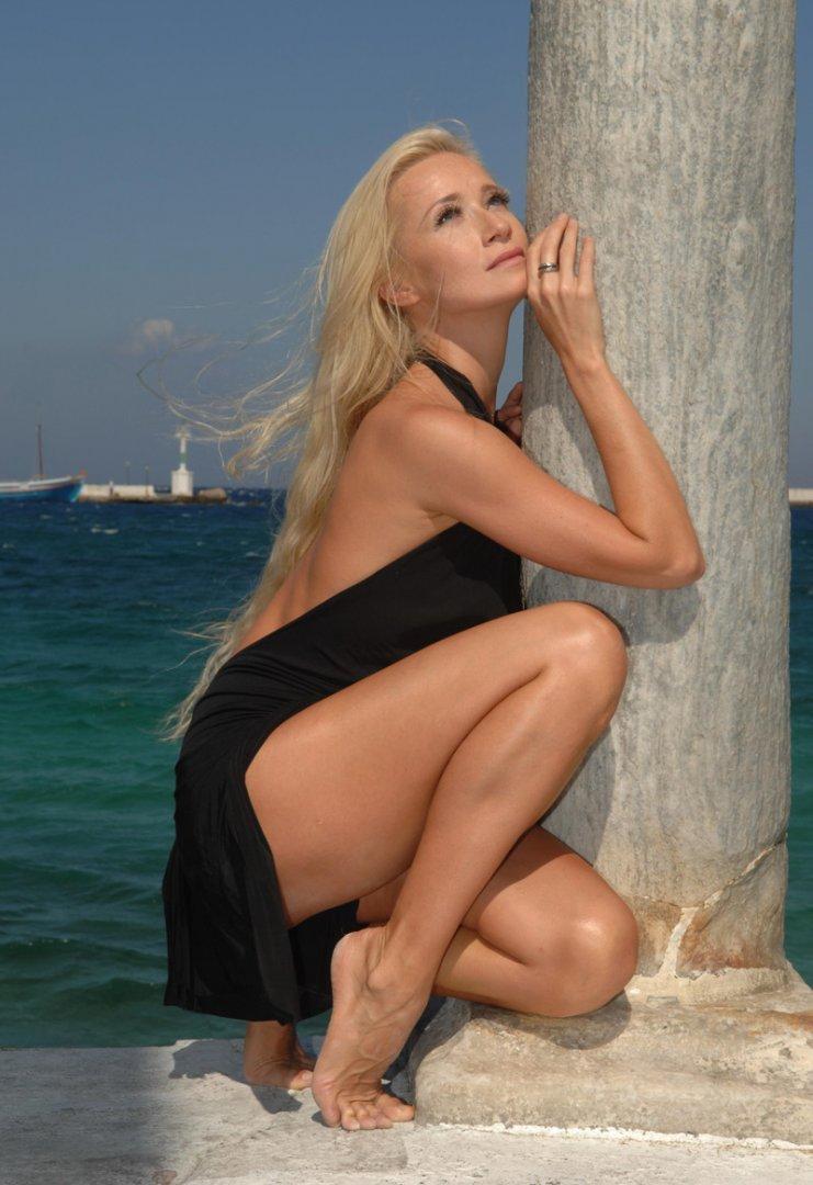 Karina sarkissovas superscharfe bikini