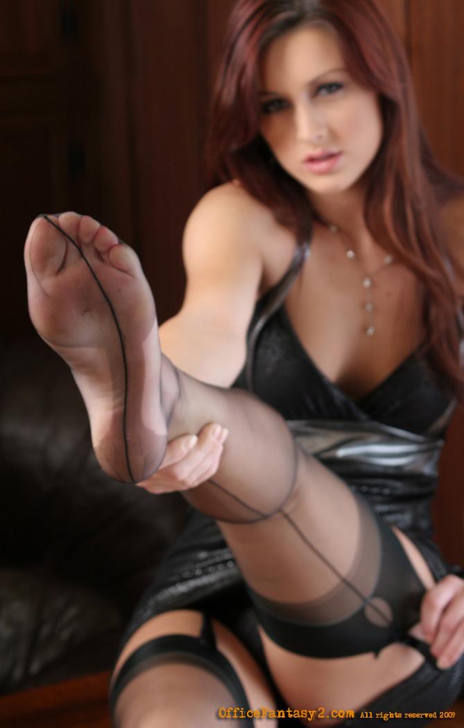 Karlie montana feet
