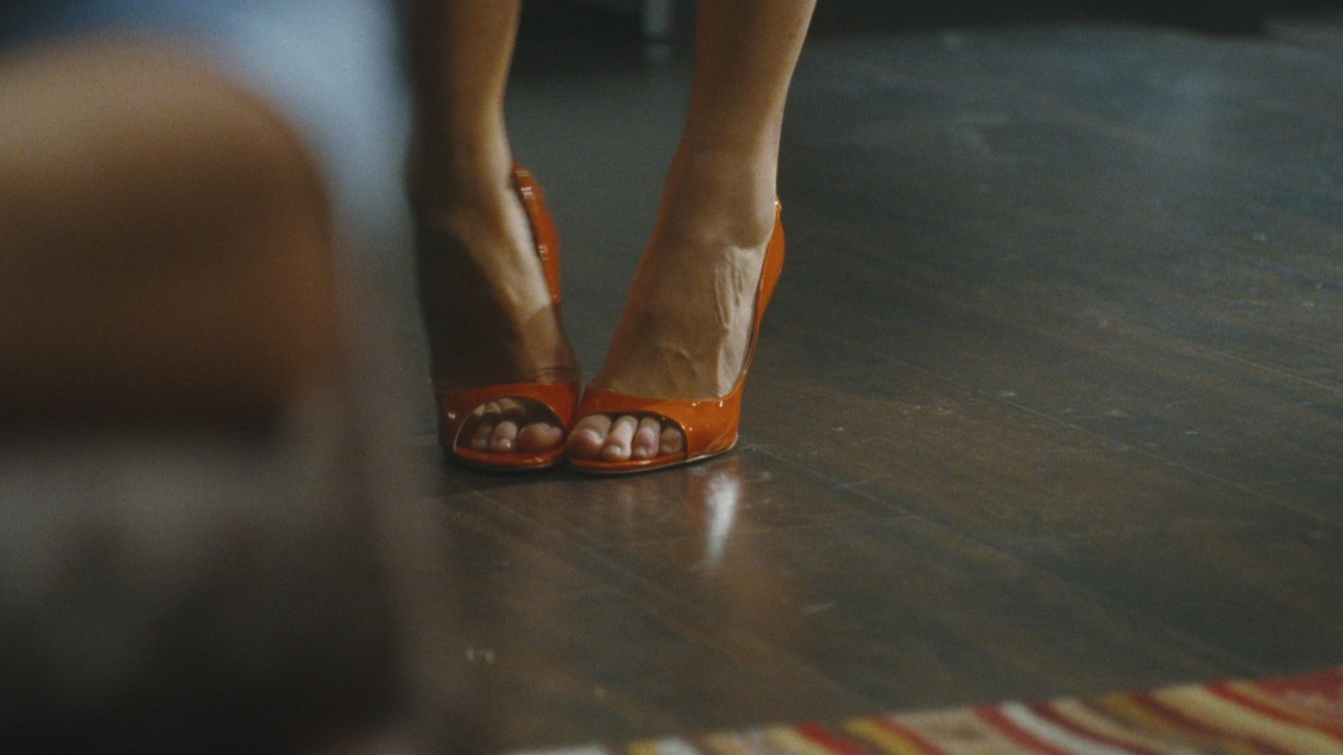 Divani In Saldo Chateau D Ax.Kasia Smutniak S Feet Wikifeet