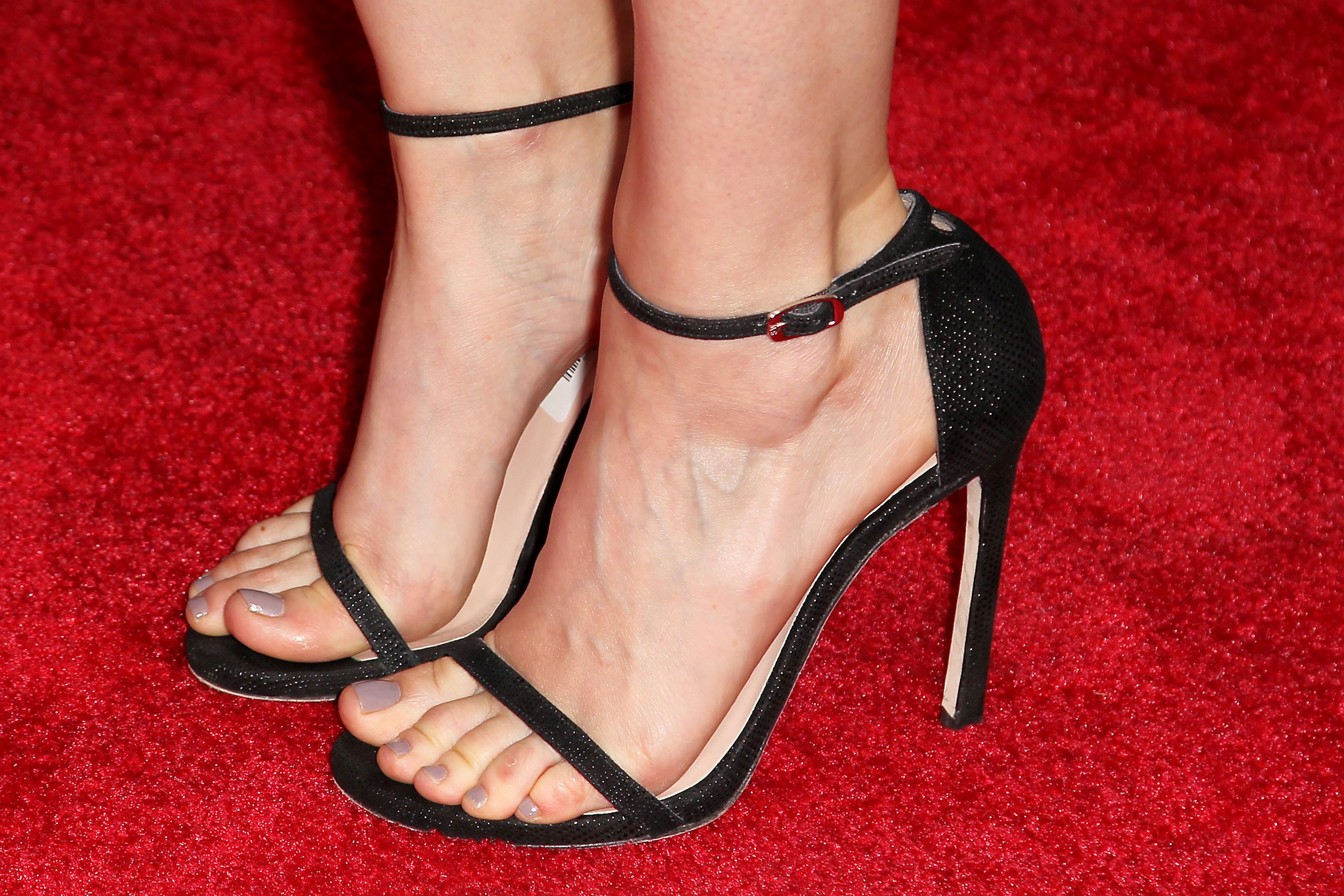 Laura Marano Shoe Size