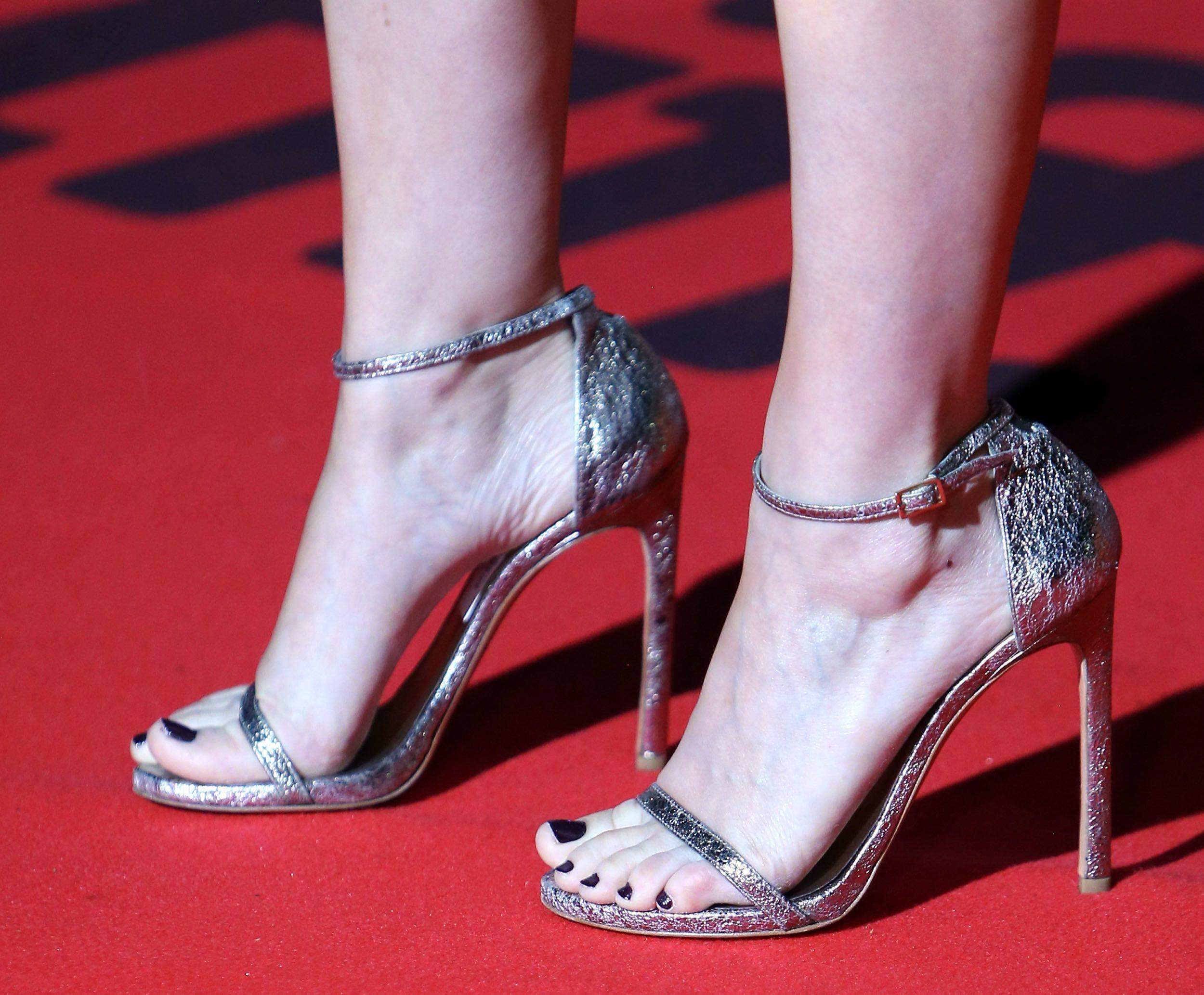 Kate Mara Toes