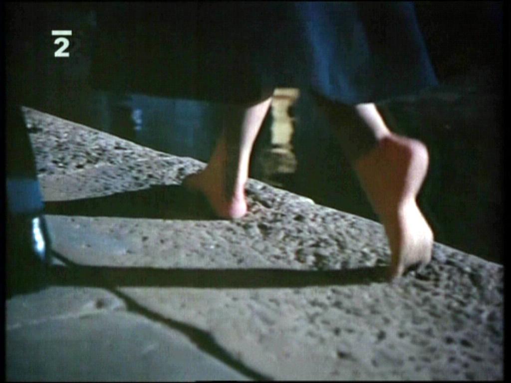 https://pics.wikifeet.com/Katharine-Hepburn-Feet-1061101.jpg