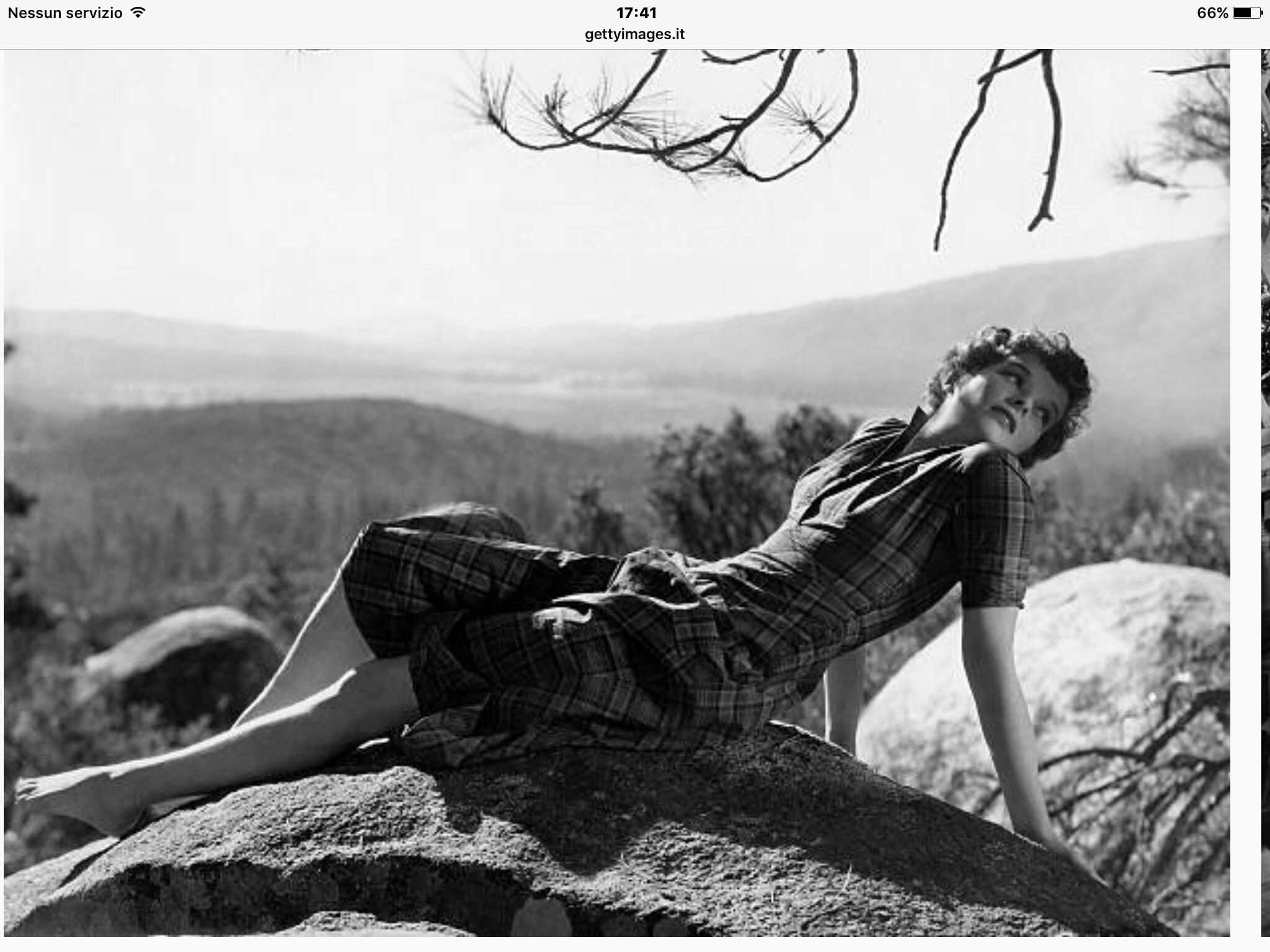 https://pics.wikifeet.com/Katharine-Hepburn-Feet-2962165.jpg