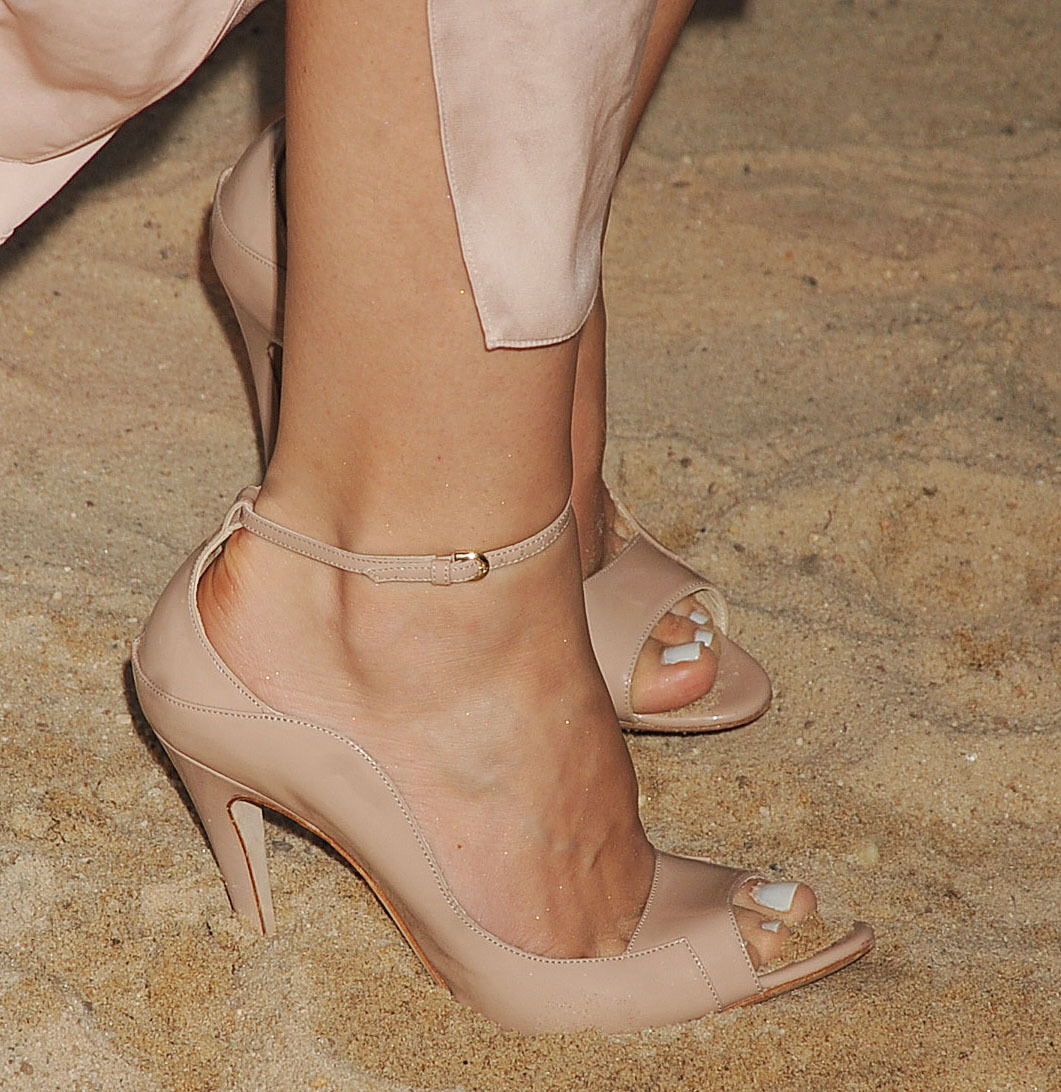 katharine mcphee feet dirty feet