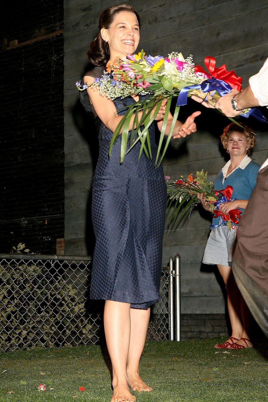 https://pics.wikifeet.com/Katie-Holmes-Feet-3054462.jpg
