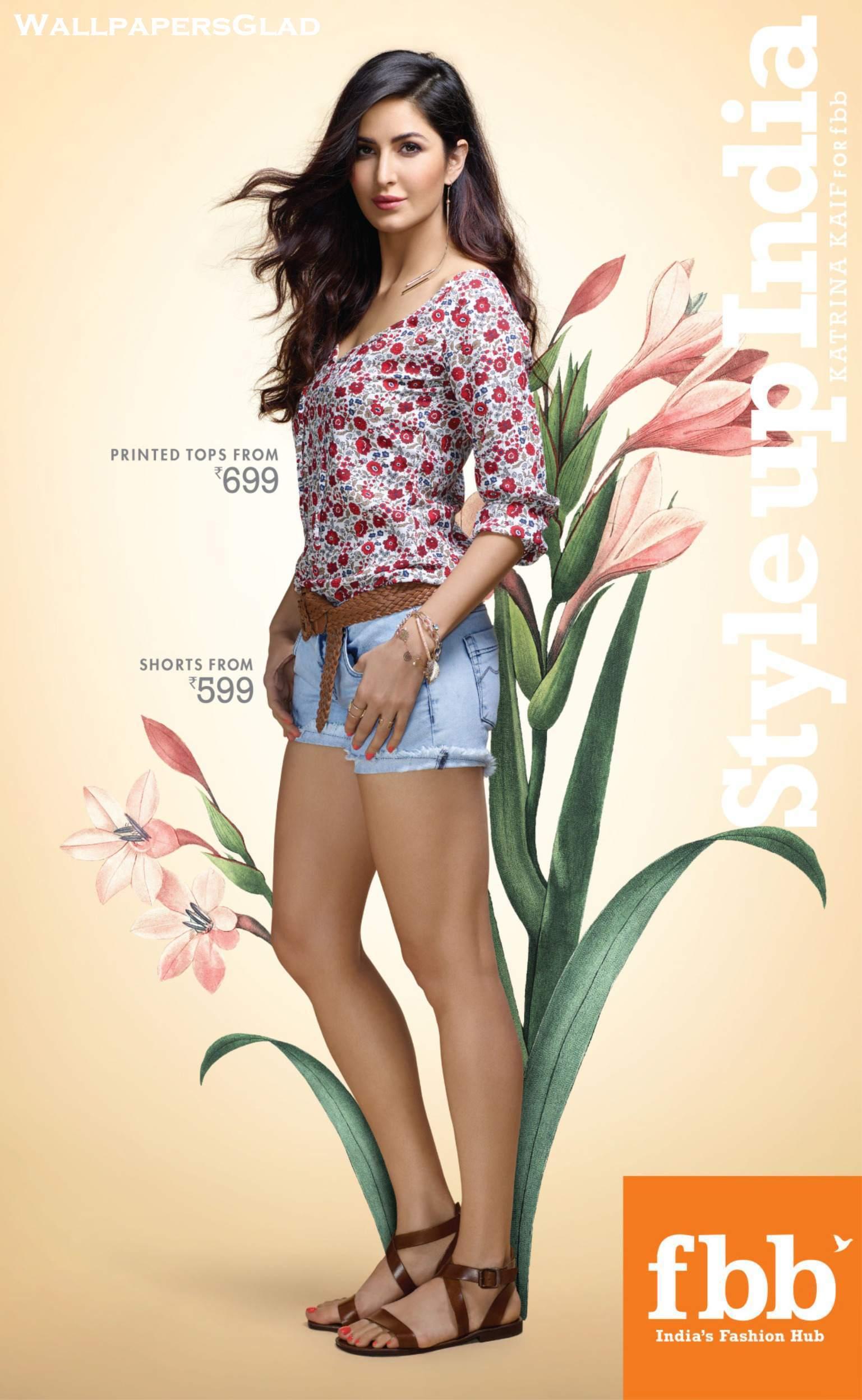 [Image: Katrina-Kaif-Feet-2558052.jpg]