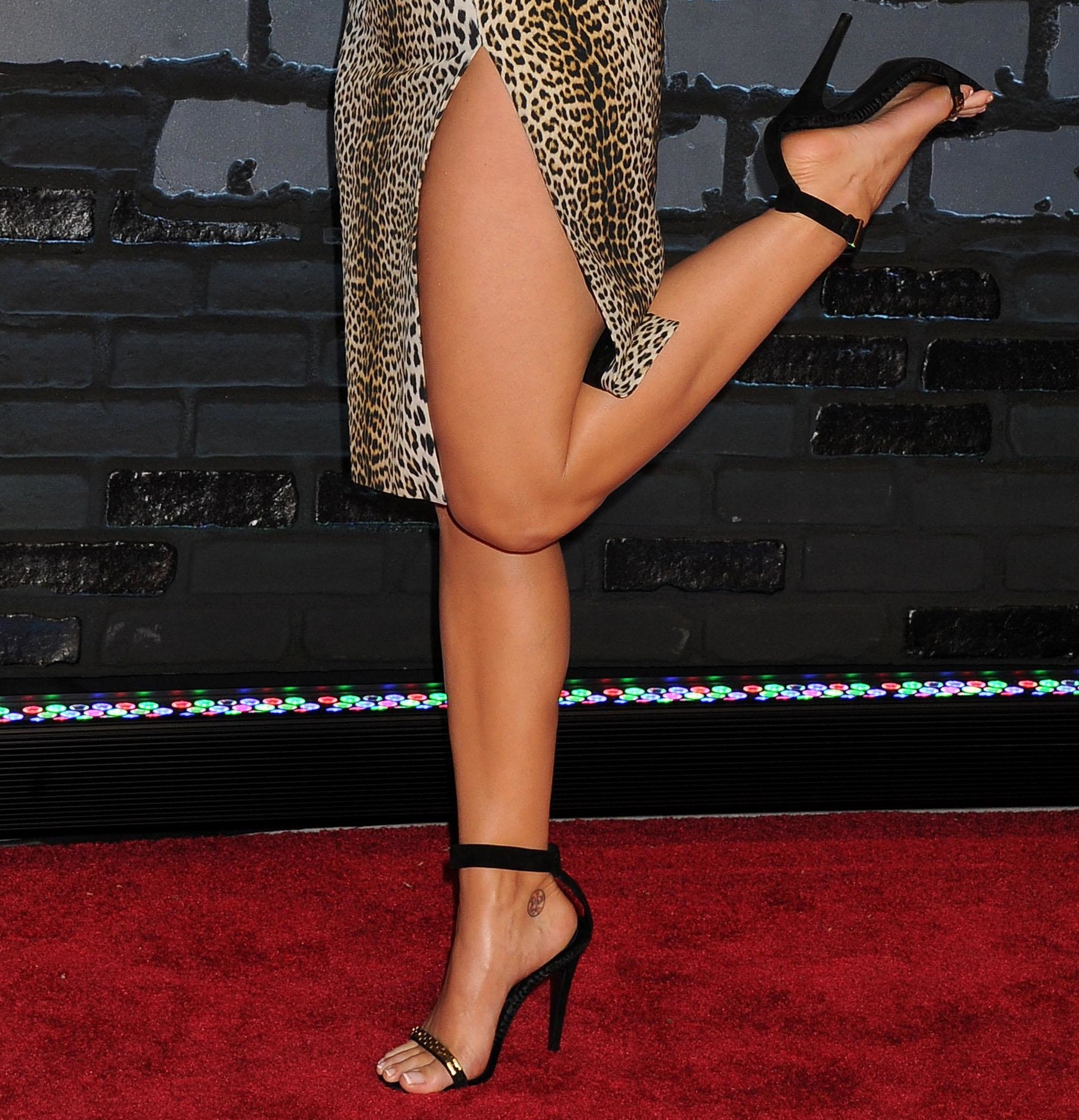Celebrity legs new faces airliners httppicsfeetkaty perry feet voltagebd Image collections