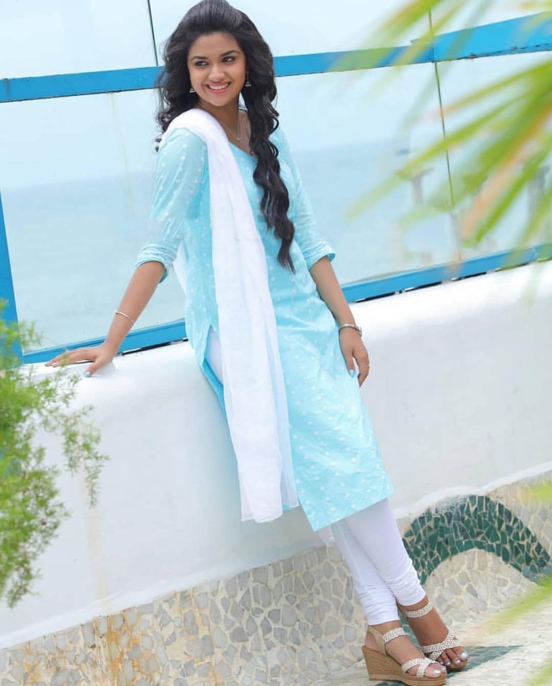 Keerthi Suresh's Feet << wikiFeet