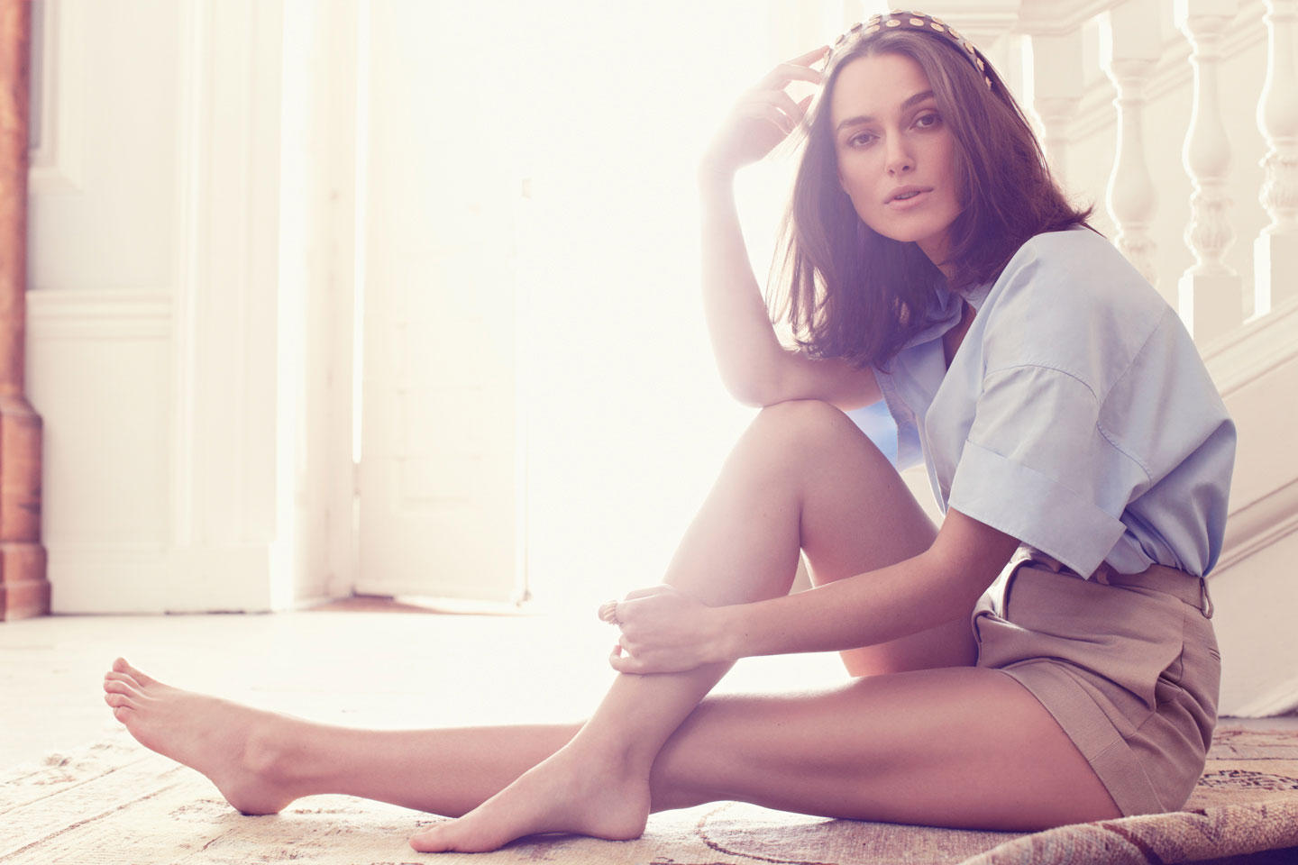 Have Keira knightley toes casually, not