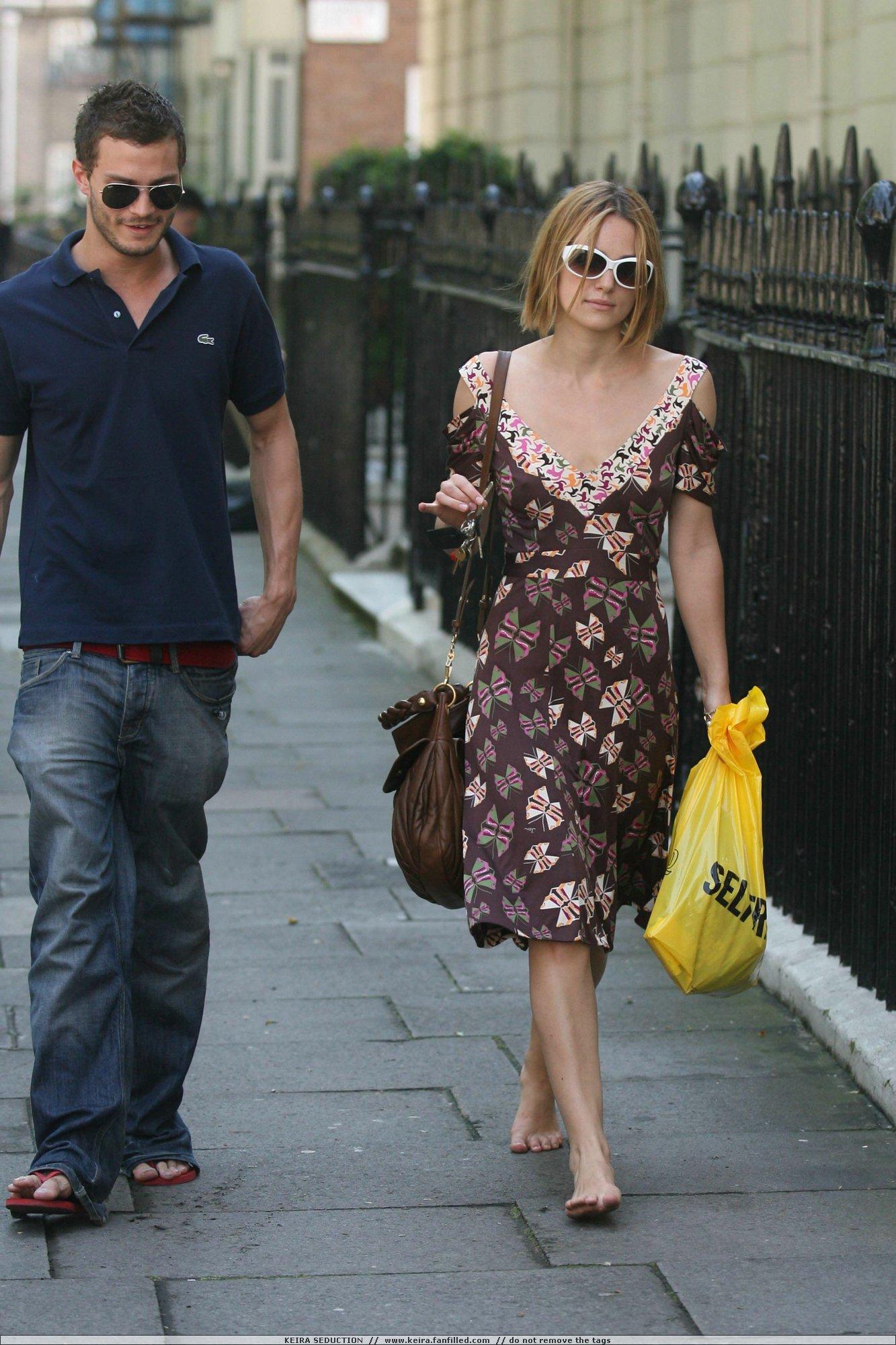 http://pics.wikifeet.com/Keira-Knightley-Feet-245472.jpg