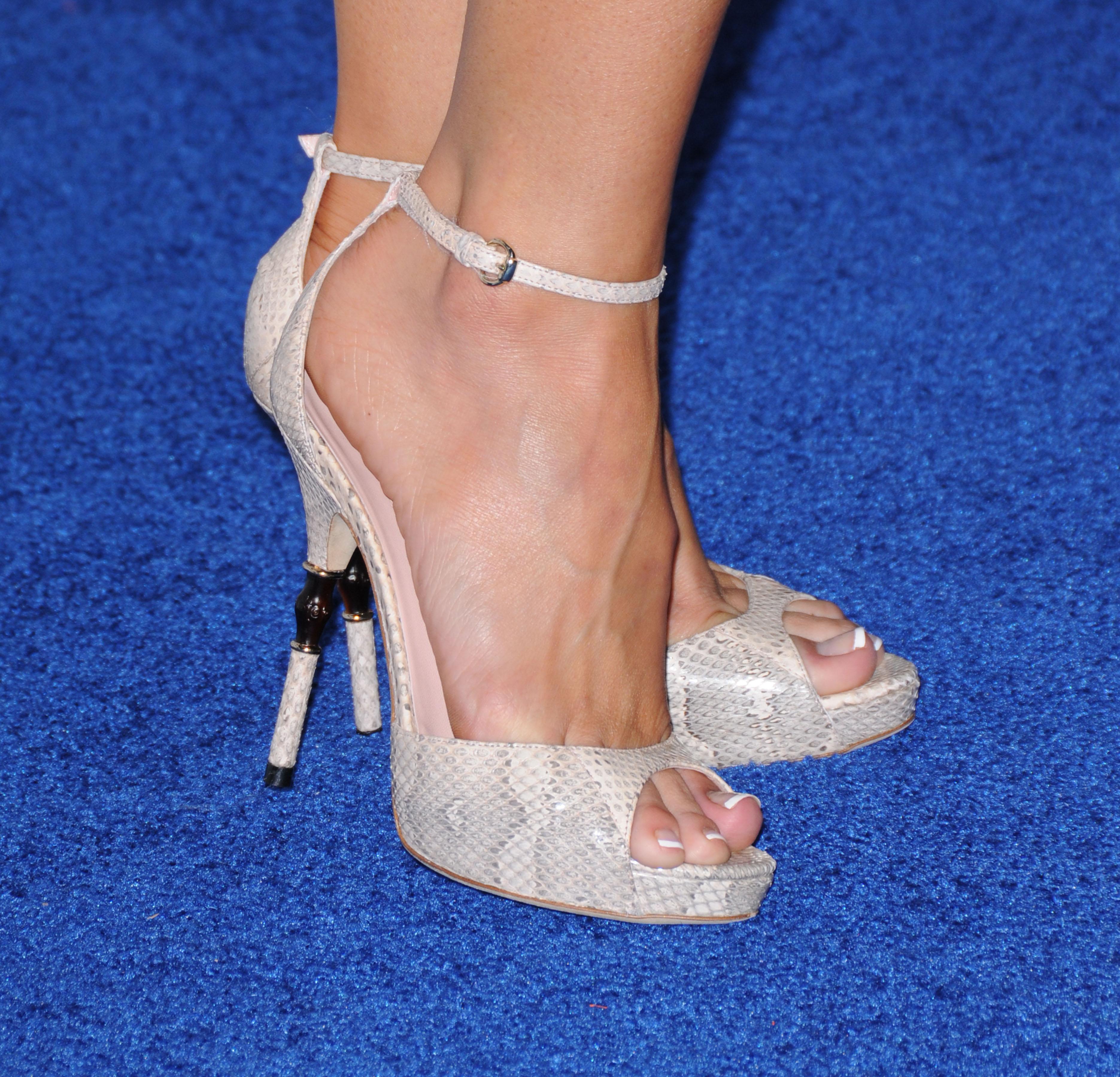 Kelly carlson feet
