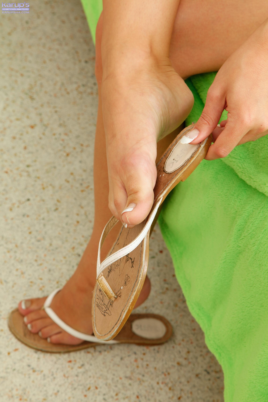 Kelly diamond feet