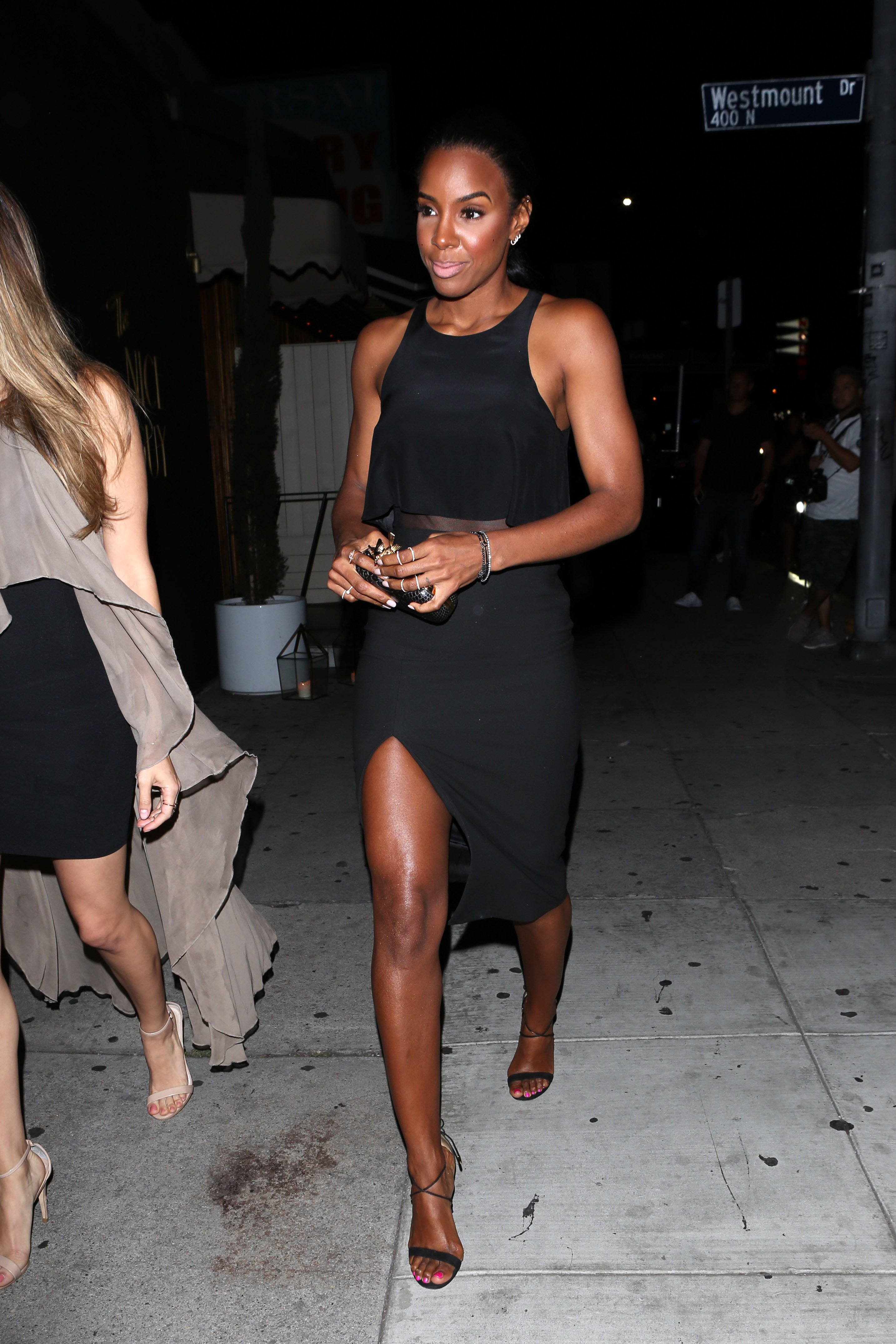 Kelly Rowland\'s Feet << wikiFeet