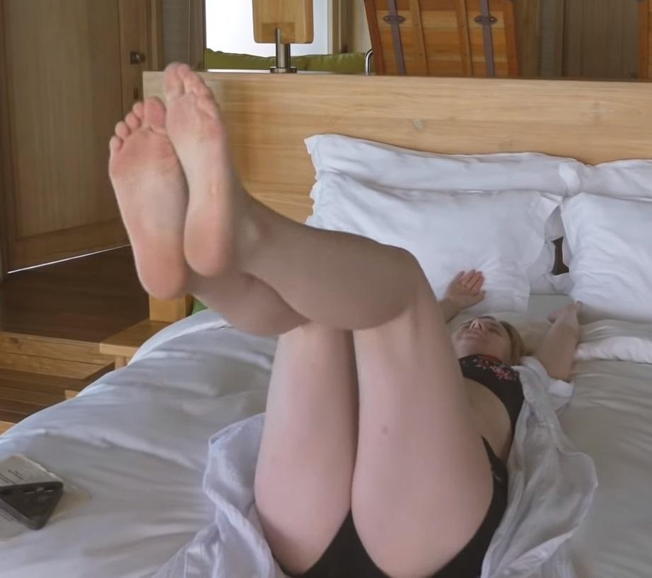 Missesvlog feet kelly Bilder, Screenshots