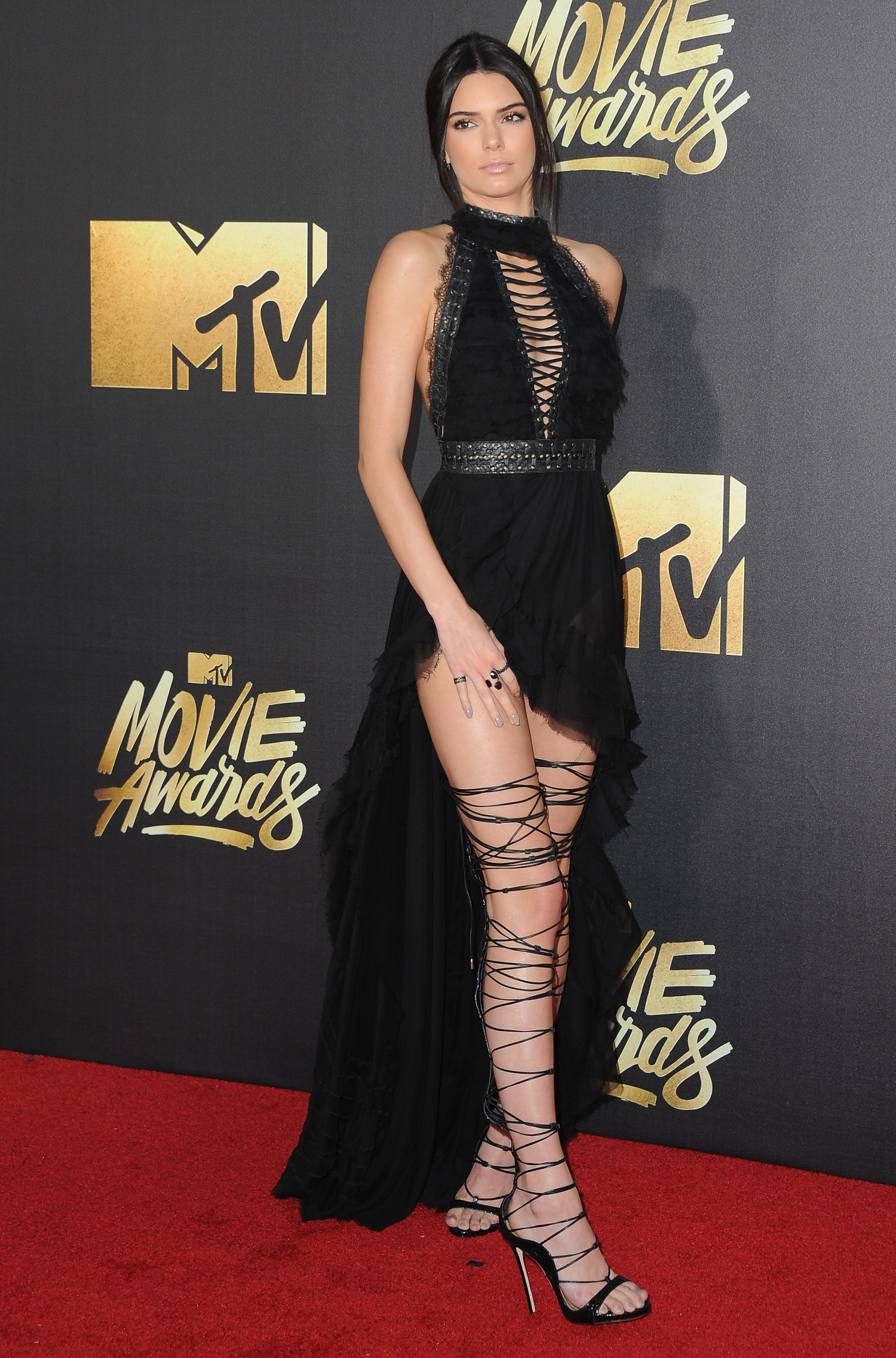 Kylie Jenner Strappy Sandals - Kylie Jenner Shoes Looks