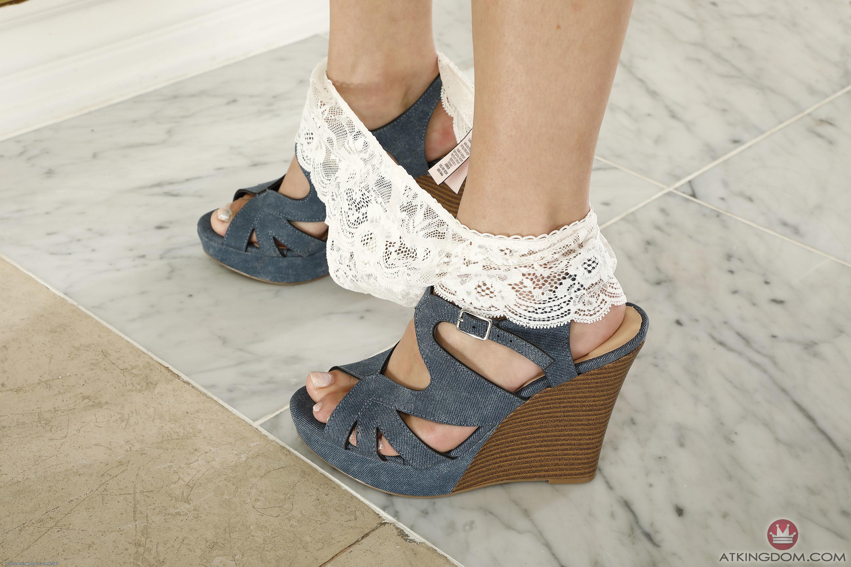 Kiara Cole's Feet