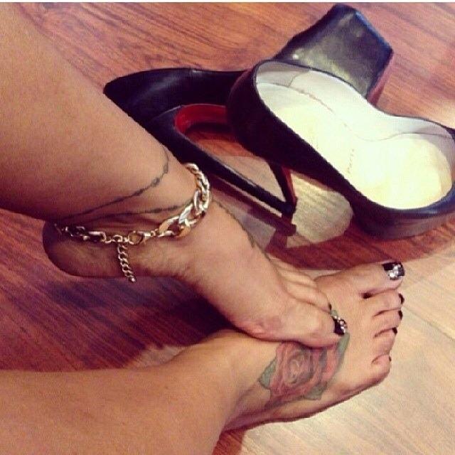 kiara mia feet