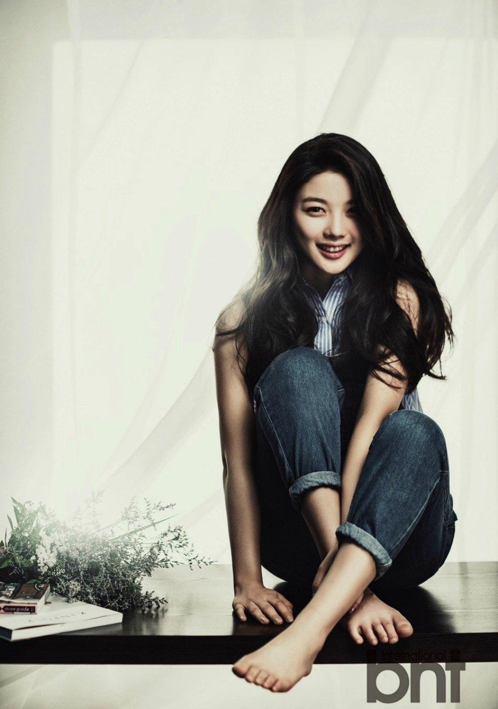 Feet Kim Yoo Yeon nudes (13 pics), Leaked