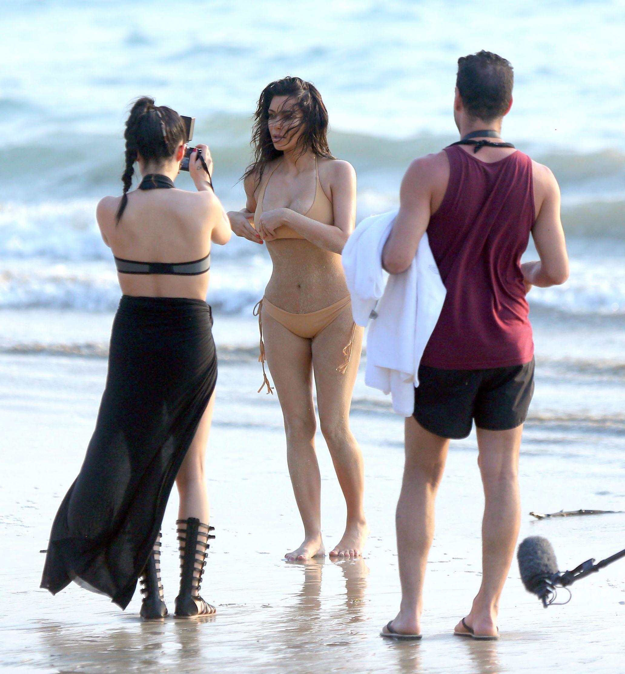 Kim Kardashian'sis Ultimate Footjob Experience