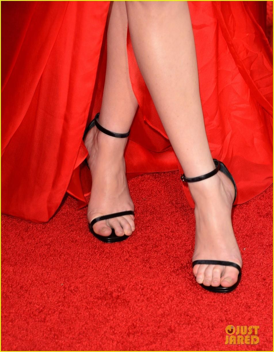 kristen connolly feet