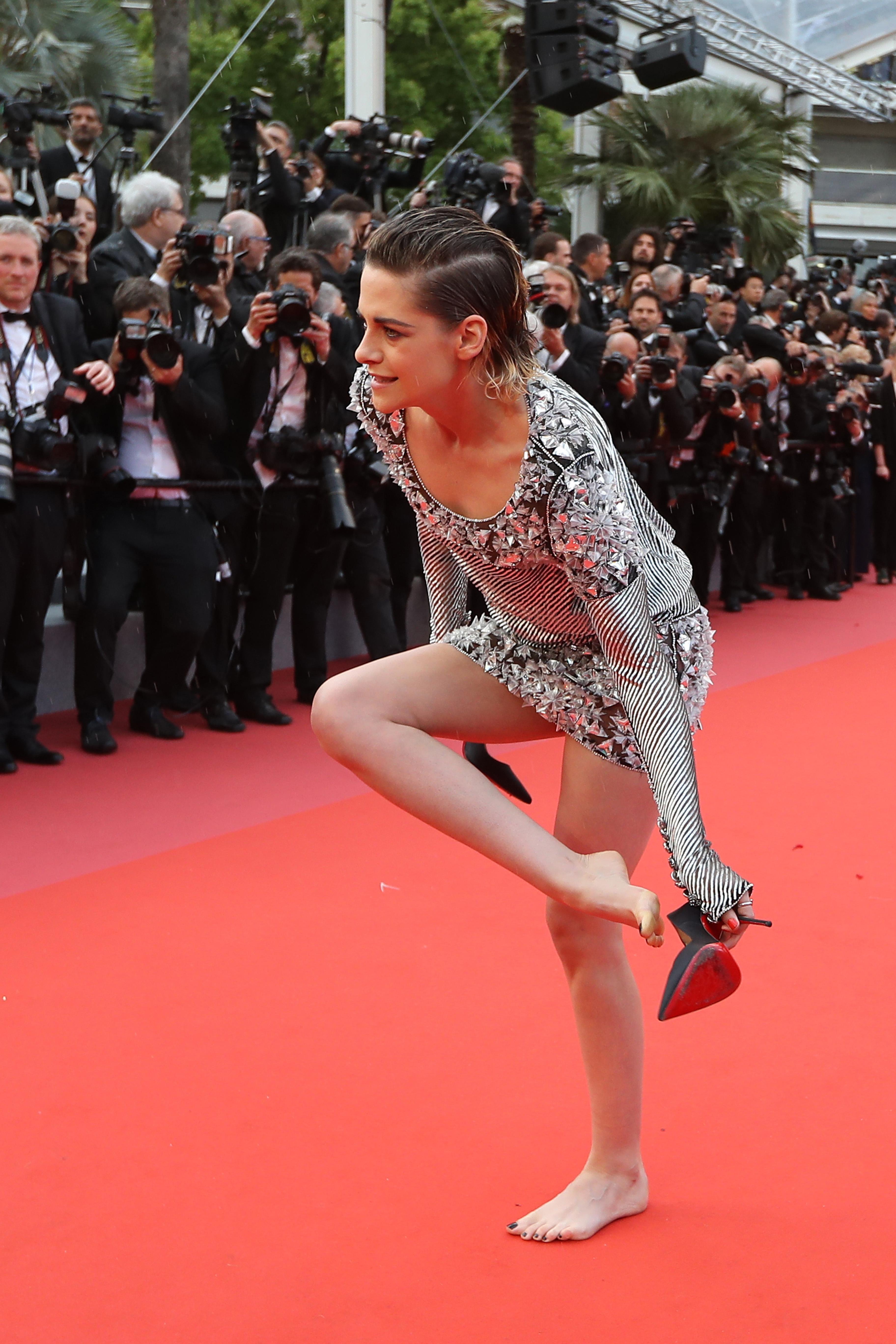 8ba7617370eb3 Kristen Stewart's Feet << wikiFeet