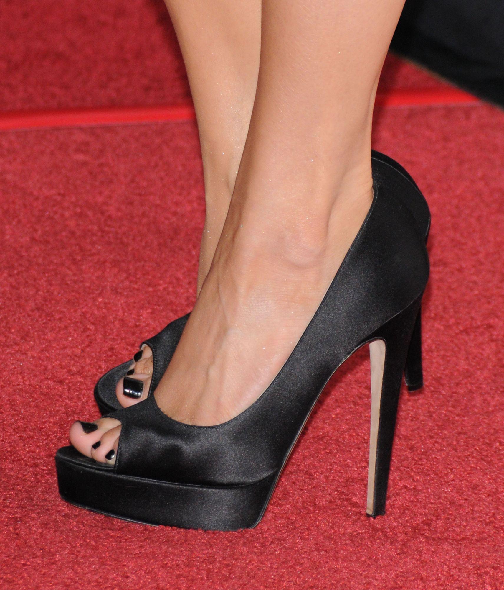 Ksenia Solos Feet-2570